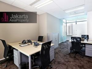 Sewa kantor kecil furniture di Menara BCA